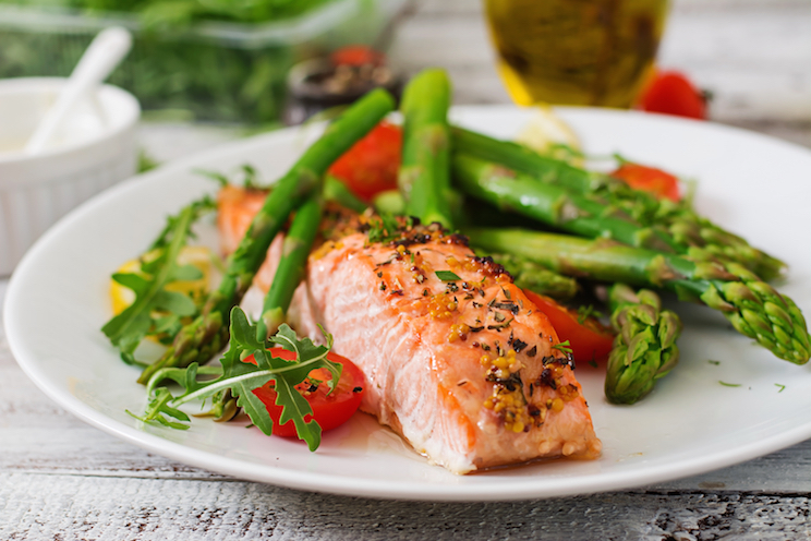 simple-photo-of-salmon-on-a-plate